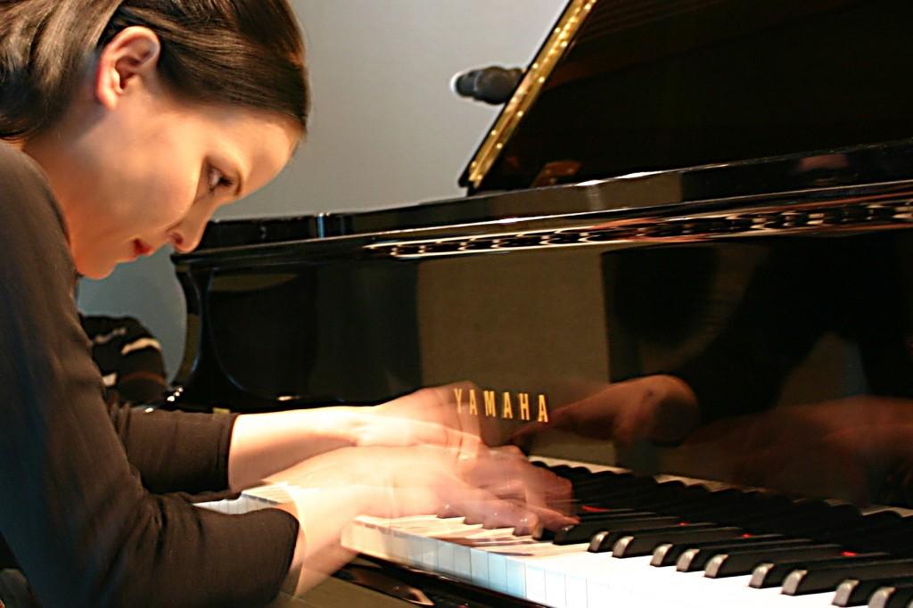 Klavierlehrerin und Pianistin Agnes Krumwiede, Ingolstadt